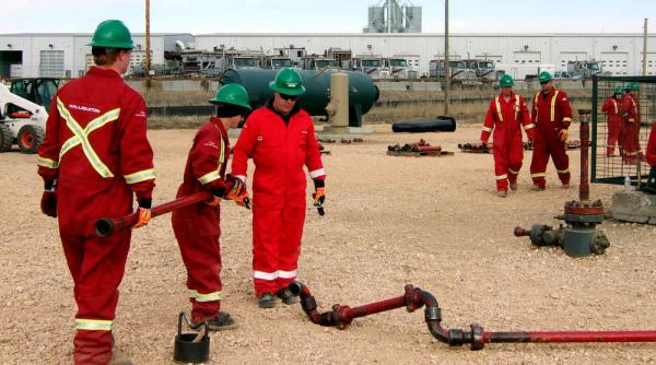 Oilfield Jobs Operator Asst Trainee Odessa Tx: Halliburton Hiring Big Time In Alberta