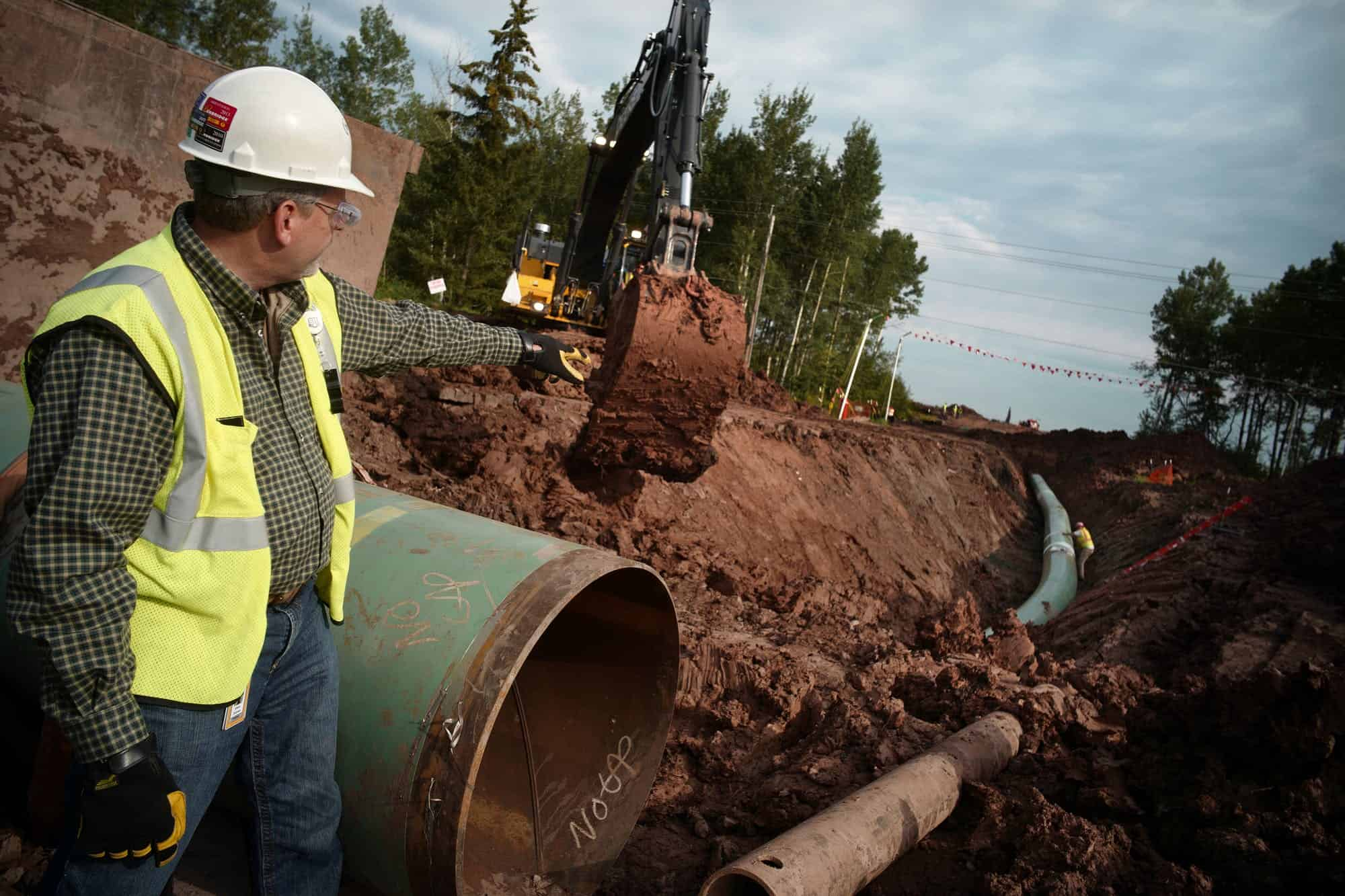 Enbridge Want to Hire Laborers, Operators, Welders & More in AB & ON – Apply Today & Get Hired!